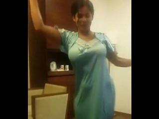 arab  dancing  sexy