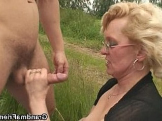 dick   lady   outdoor