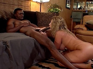 babe  big tits  busty