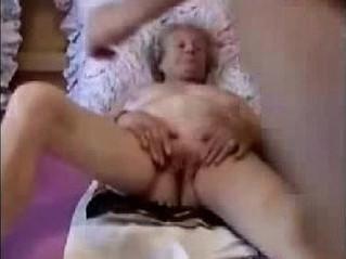 fun  grandma  maid